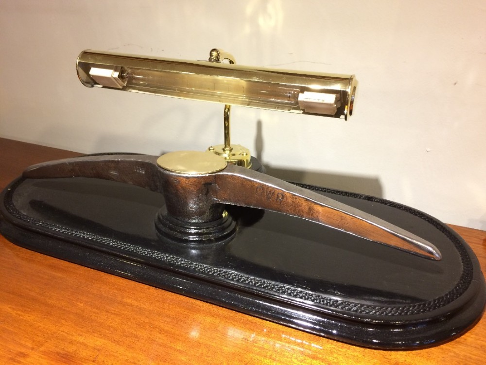 gwr pick table lamp