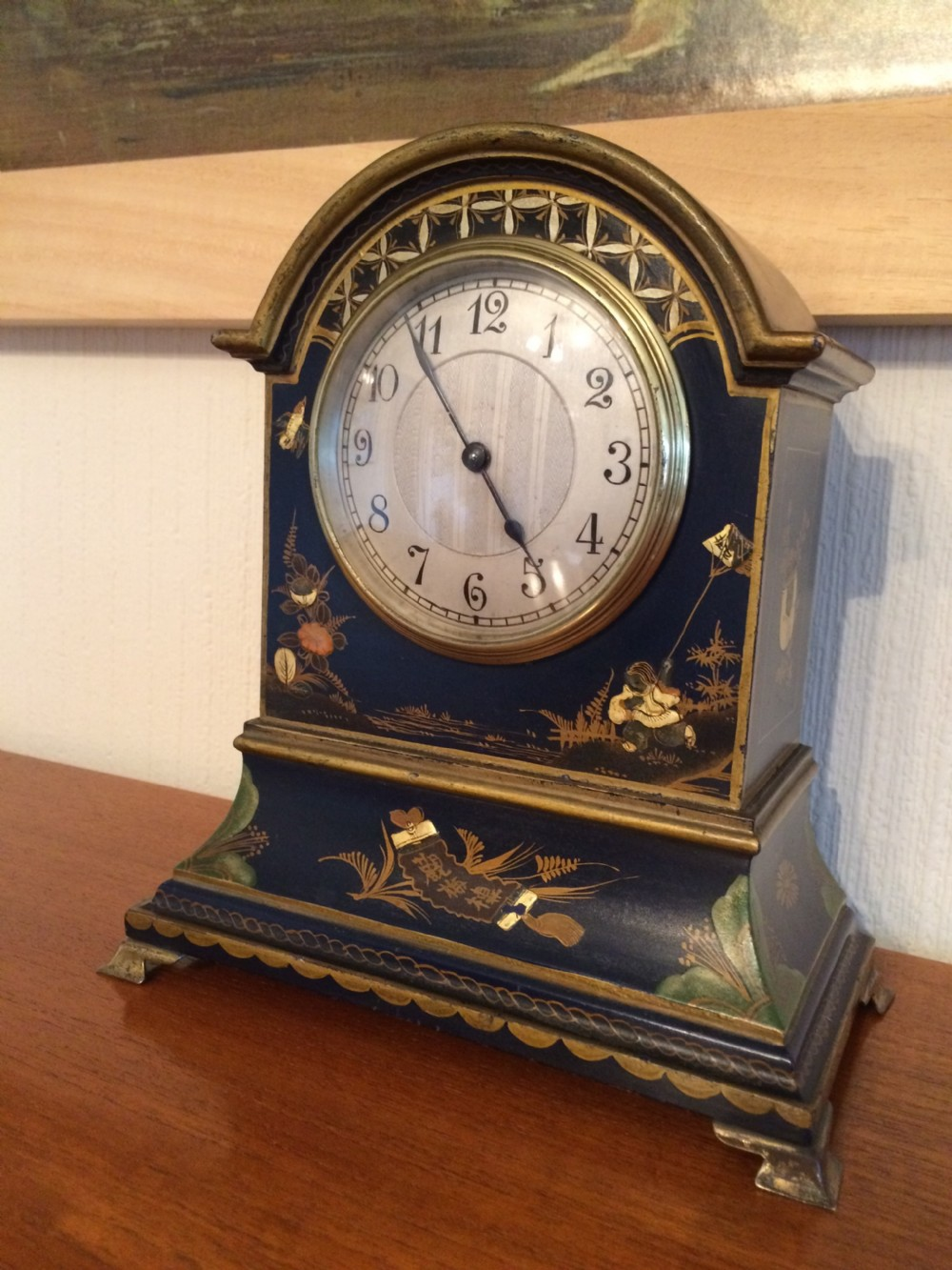 chinoiserie mantel clock